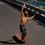 Hamboards -Longboard Surfing auf der Strasse