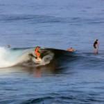 Talia Gangini spielt mit den Wellen – Video