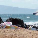 Jenny Surft – Bambus-Affen, Taschentuch-Segel und Surfboard-Grandpas