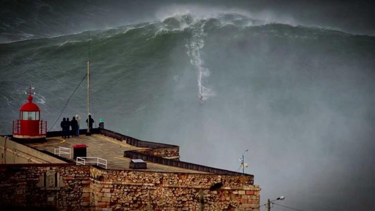 nazare big wave sebastian