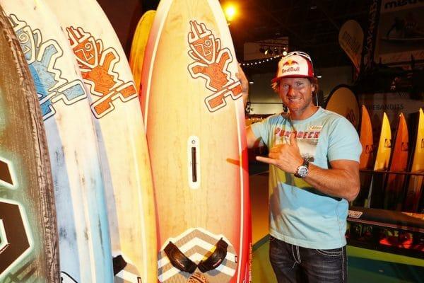 _Ex-Surfweltmeister Bjoern Dunkerbeck_boot20141885