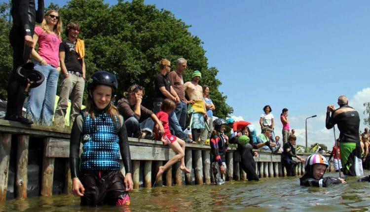 """28 Kids drücken die """"Kitesurf-Schulbank"""" beim 12. SGS-Kids-Camp"""