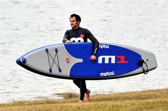 Vorab-Test: Mistral M1 inflatable 12,6′ Raceboard Prototype