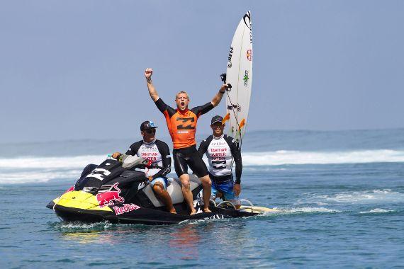Mick Fanning winning_Tahiti12_ASP