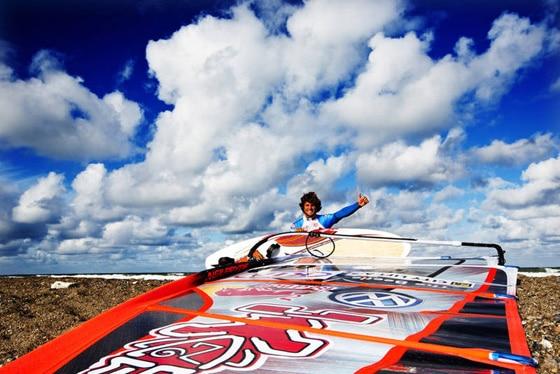 Philip Köster erneut Windsurf-Weltmeister in der Welle