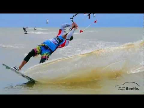 Video thumbnail for youtube video Beetle Kitesurf World Cup bei schönem Wetter unwiderstehlich – SUPERFLAVOR SURF MAGAZINE