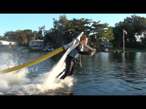 Video thumbnail for youtube video Jetlev Flyer – Wassersport Extreme – SUPERFLAVOR SURF MAGAZINE