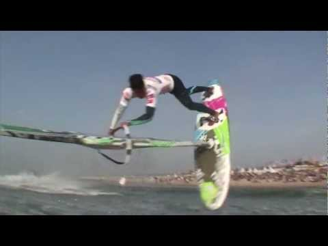 Video thumbnail for youtube video Klaas Voget erklärt die Windsurf Disziplinen beim Windsurf World Cup Sylt – Video – SUPERFLAVOR SURF MAGAZINE