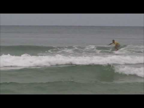 Video thumbnail for youtube video Meyerhoffer erfindet das Surfboard neu – SUPERFLAVOR SURF MAGAZINE