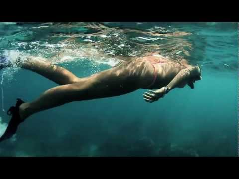 Video thumbnail for youtube video Miss Reef – Januar 2012 – SUPERFLAVOR SURF MAGAZINE