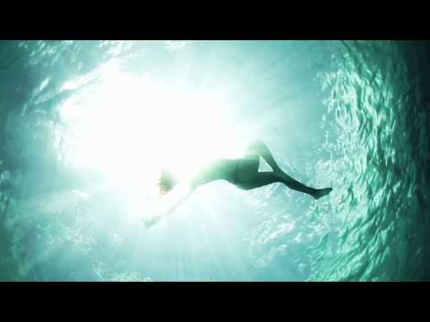 Video thumbnail for youtube video Miss Reef – März 2012 – SUPERFLAVOR SURF MAGAZINE