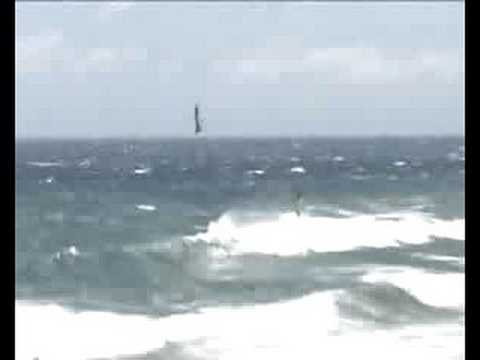 Video thumbnail for youtube video Philipp Köster gewinnt Pozo 2009 – SUPERFLAVOR SURF MAGAZINE