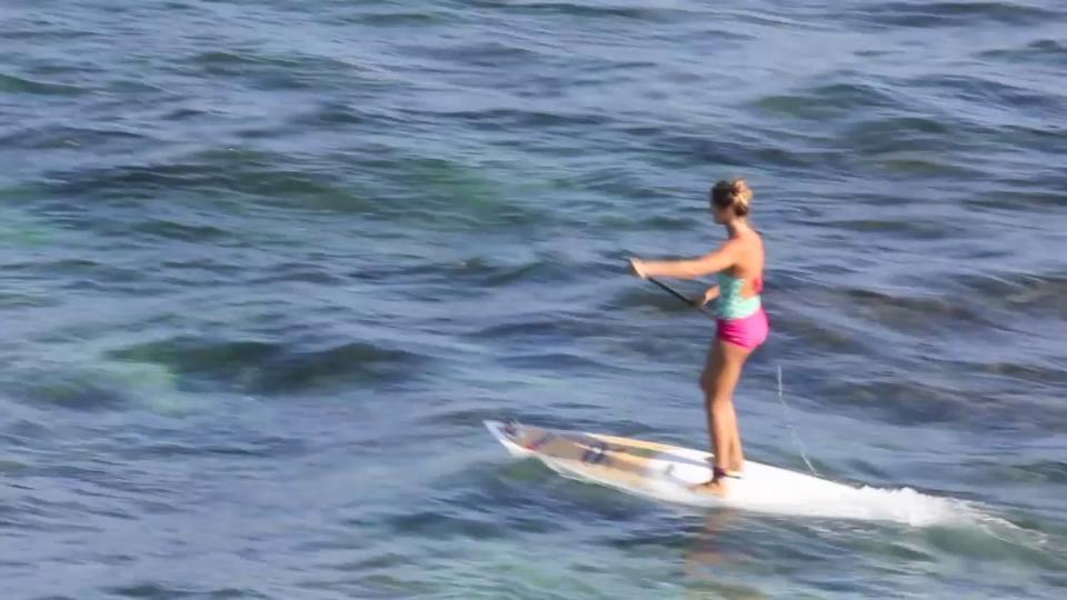 Video thumbnail for vimeo video Talia Gangini spielt mit den Wellen – Video – SUPERFLAVOR SURF MAGAZINE