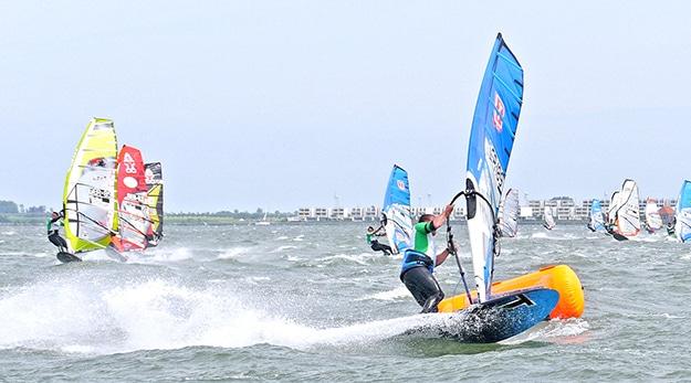 Start frei für das Windsurf Long Distance Race #2 auf Fehmarn