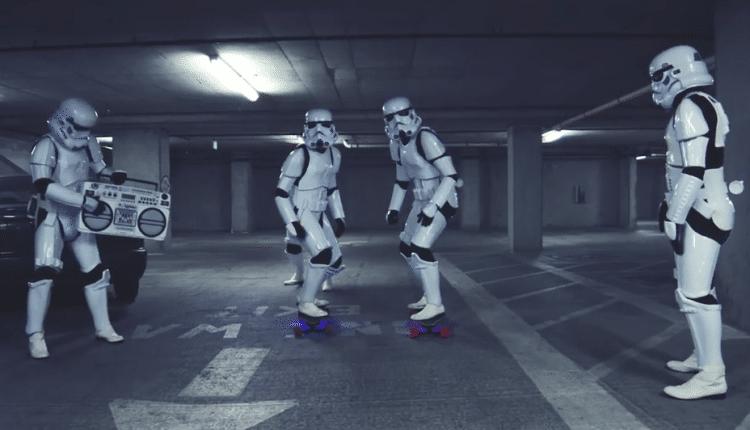 Star Wars Stormtrooper Skate Longboard Race