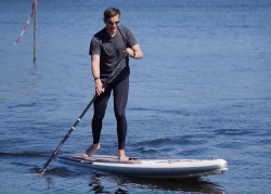 mistral equipe inflatable sup board test 12 250x179 - Mistral 12'6 Equipe Light im SUP Test