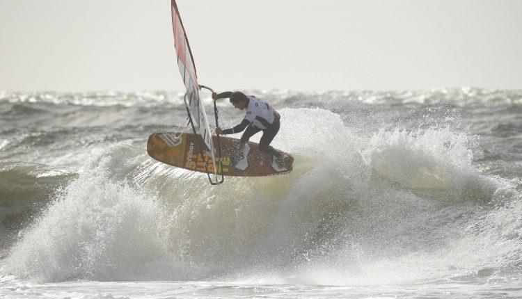 Waverider fliegen einen Tag früher in den Himmel über der Nordsee