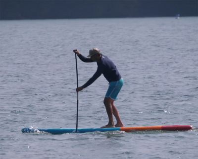 naish alana 2019 inflatable sup board test superflavor sup mag 02 400x320 - Naish Alana Air DC 11.6 im Inflatable SUP Board Test
